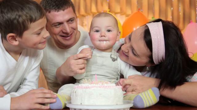 1st-birthday-party-video-invitations