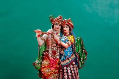 Radhe and krishna